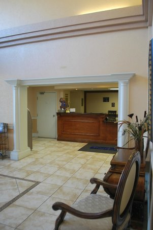 Travelodge Fort Myers: la reception dell'albergo
