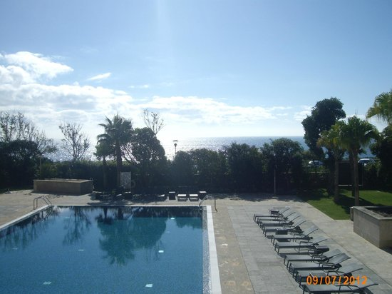 Grande Real Villa Italia Hotel & Spa:                   swimming pool and the ocean view