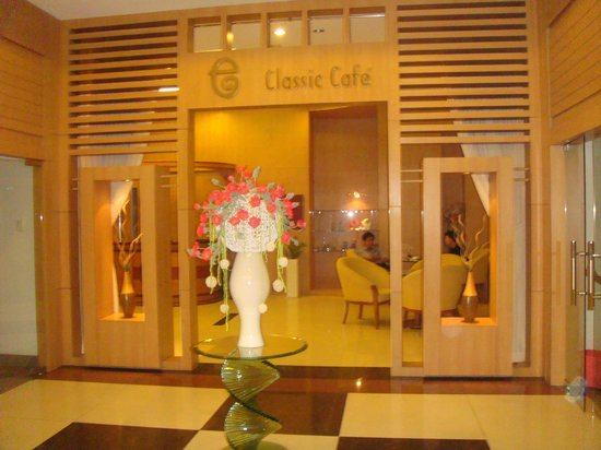 Elios Hotel:                   lobby