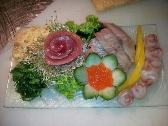 Tomo Sushi:                   sashimi