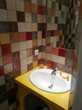 Hotel la Rotonde: salle de bains