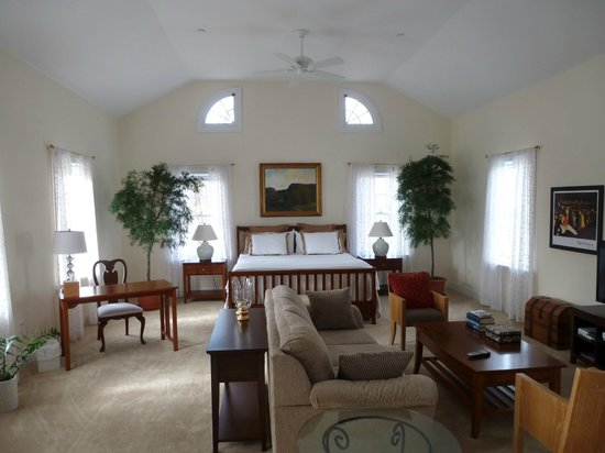 The Millbrook Inn:                   Living Room