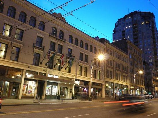 Kimpton Alexis Hotel:                   Hotel exterior