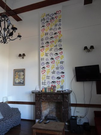 Rock Hostel & Brewery:                   living and breakfast room