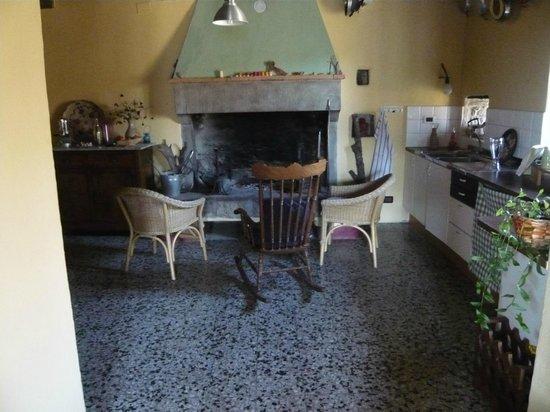 Casa Santicchio: il camino
