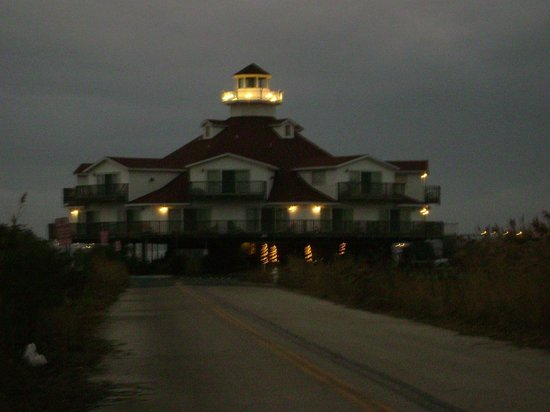 Lighthouse Club Hotel an Inn at Fager's Island:                   evening
