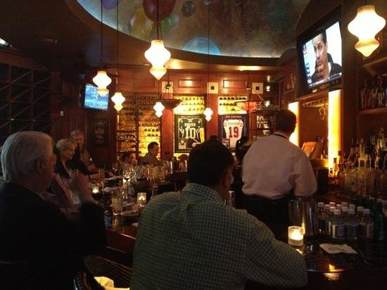 Al Biernat's:                   the lively bar
