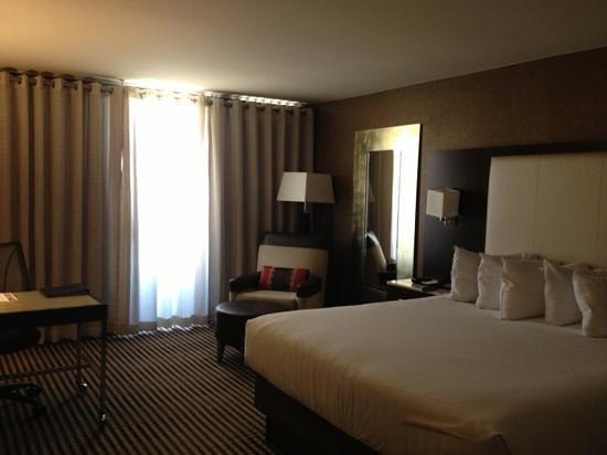 Hyatt Regency DFW:                   very nice room. comfortable and clean.