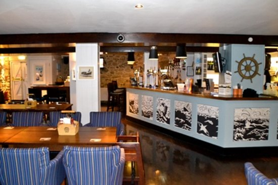 The Lifeboat Inn: Bar