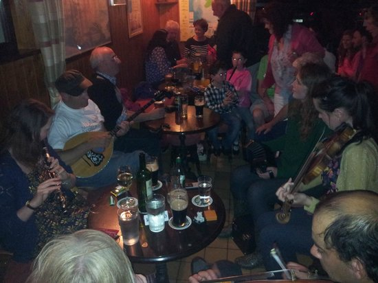 Doonmore Hotel: One of the many famous sessions in our bar