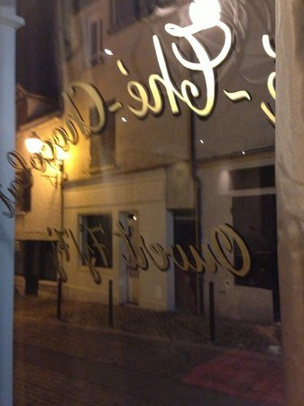 Hotel Le Parc :                   Comfortable restaurant, good but small menu, with a fine cellar