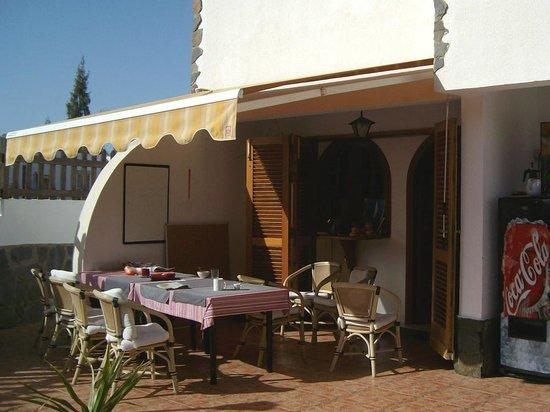 TT Guesthouse :                   Terrasse