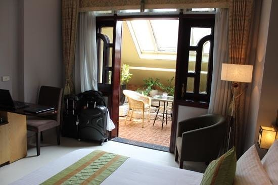 Hanoi City Palace Hotel:                   junior suite