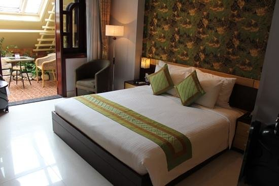 Hanoi City Palace Hotel:                   beautiful room and very comfy bed