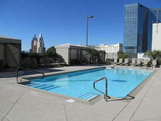 Polo Towers Suites:                   Roof top pool