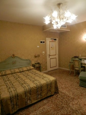 Locanda Barbarigo: camera da letto