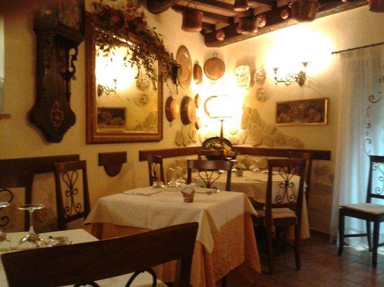 Torre Sangiovanni Albergo e Ristorante: La seconda sala da pranzo