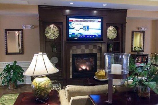 Hampton Inn & Suites Jekyll Island:                   Hampton lobby