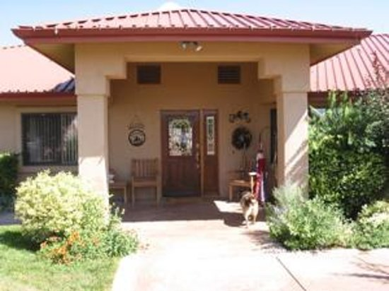paulden guys Other uses for pavers supplied by pavers guys in paulden, az besides patios, you can also use pavers as borders along: - sidewalks concrete pavers in paulden, az.