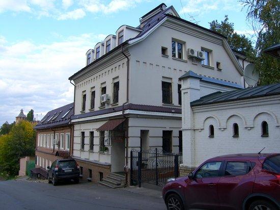 У домика Петра отель