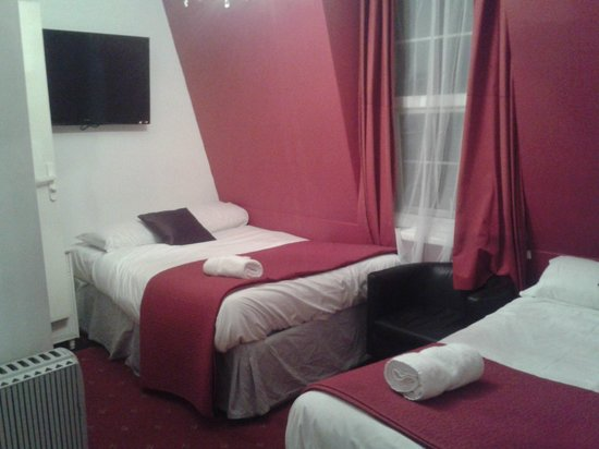 Chester Hotel:                   Large room - 2 double beds, minute shower room