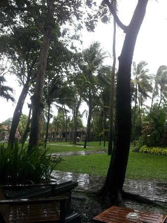 Ramada Bintang Bali Resort:                   Windy and breeze