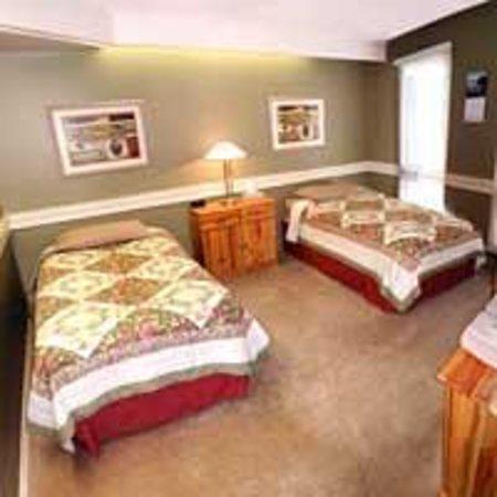 Laura's Lodge: Twin Room