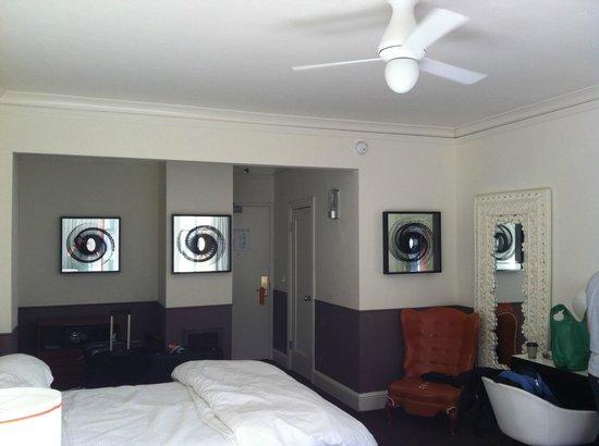 Hotel Vertigo:                   Doppelzimmer