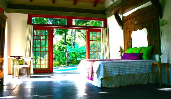 Prana Rainforest Retreat: Guest Villa Bedroom, with view onto private pool