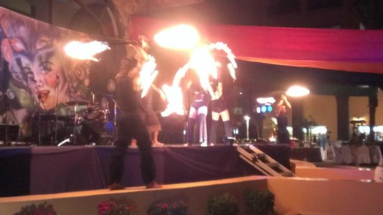 Royal Solaris Los Cabos:                   Caribean night- fire show