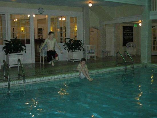 Omni Bedford Springs Resort:                   Pool