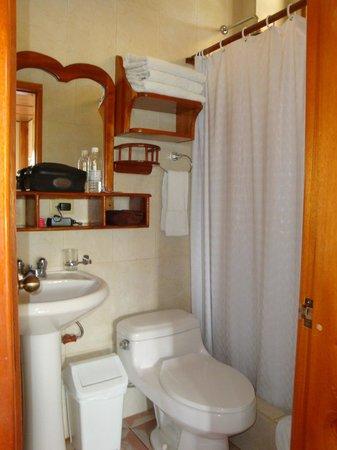Hotel San Vicente Galapagos: Bathroom