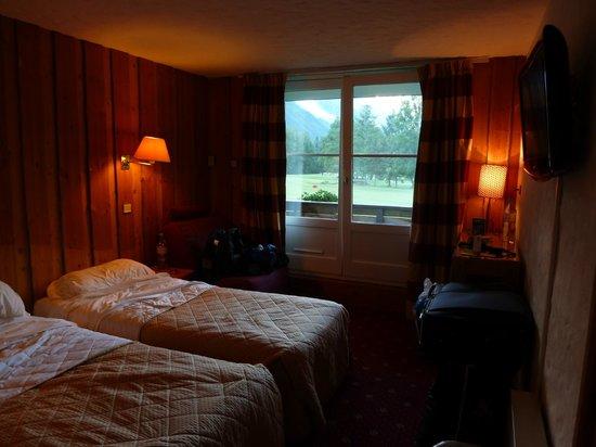 Le Labrador Hotel:                   Room