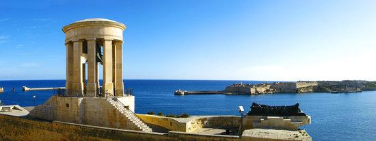 Валлетта, Мальта: Siege Bell Memorial
