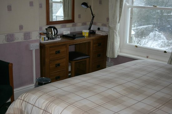 The Old Manse Guesthouse: Double Bedroom