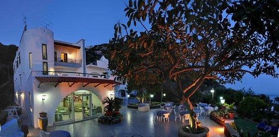 Hotel Maronti: Terrazza al tramonto