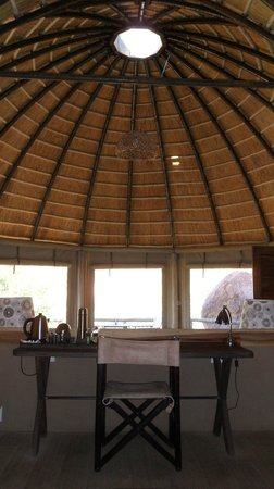 Mowani Mountain Camp:                   Lounge