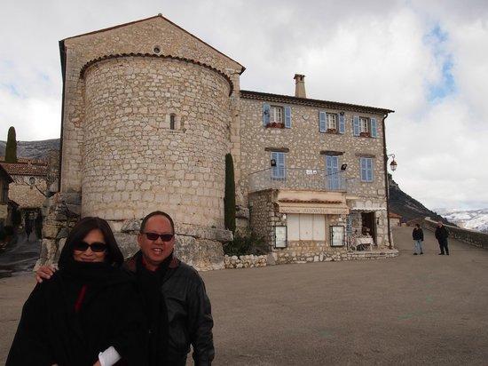 Med Tour :                   Gourdon Castle