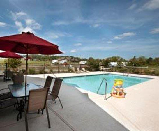 Cove Creek RV Resort : Pool