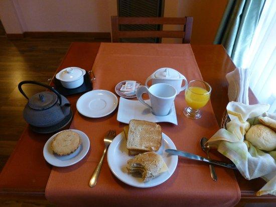 Hosteria Valle Frio:                   Breakfast