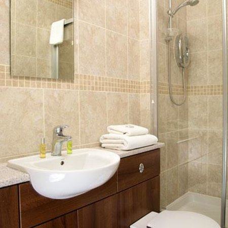 The Wash & Tope Hotel: typical en-suite