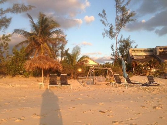 Fernandez Bay Village: plage