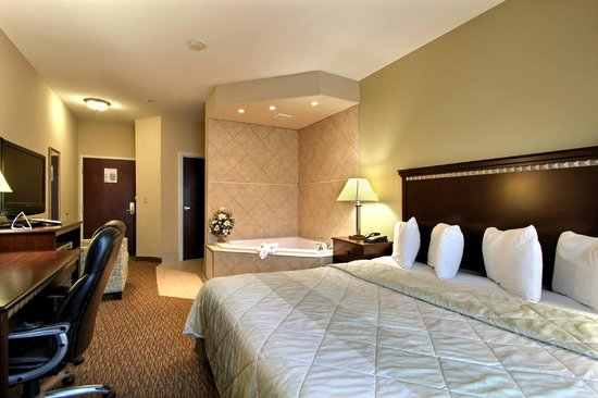 Magnolia Inn & Suites Pooler : Jacuzzi Room