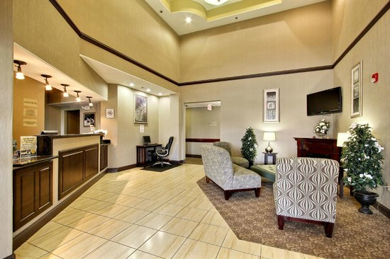 Magnolia Inn & Suites Pooler : Lobby