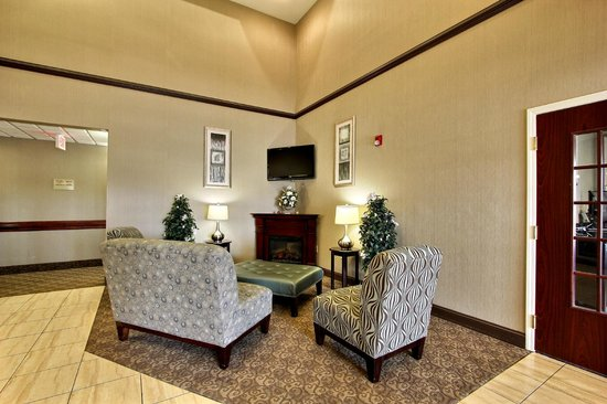 Magnolia Inn & Suites Pooler: Lobby