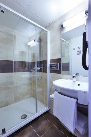 Kyriad Paris Nord - Gonesse - Parc Des Expositions: Salle de bain