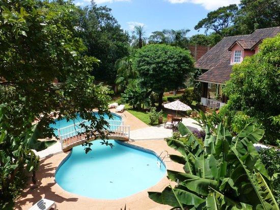La Sorgente Hotel Posada:                   The hotel garden