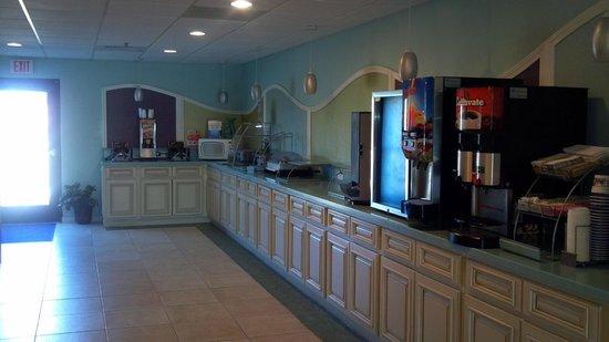 Best Western Plus Myrtle Beach Hotel:                   Complimentary Breakfast