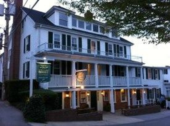 Newes From America Pub: Exterior