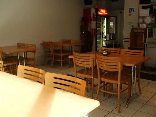 Aroy-Di:                   Seating area